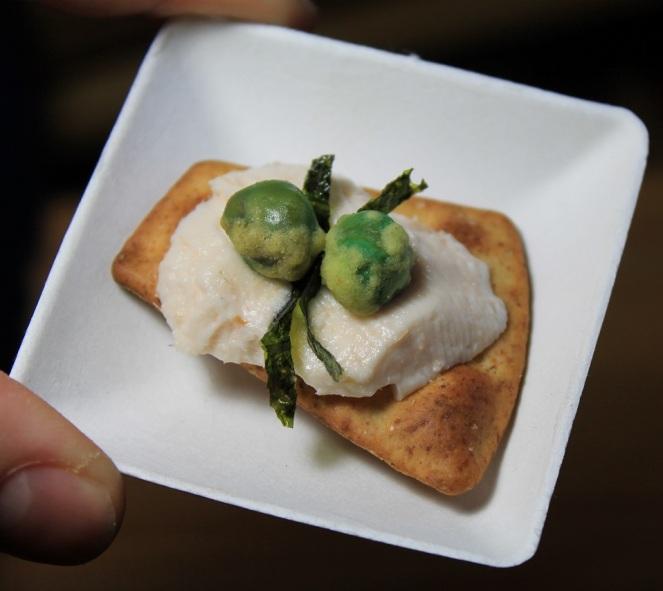 Pita salé mousse de saumon fumé nori et pois verres séchés au wasabi - Hungry Rachel