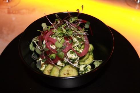 Salade de concombre libanais, pickle d'oignon, feta et menthe fraîche RESTAURANT VERSA - Hungry Rachel