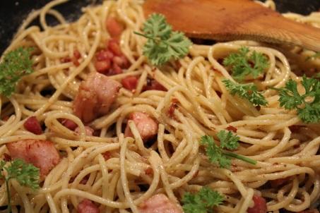 Pâtes à la pancetta Fantino et Mondello et restes de jambon - Hungry Rachel