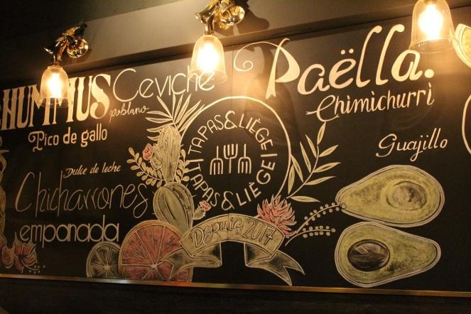 Tapas et Liège - murale calligraphiée - Hungry Rachel